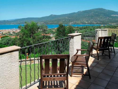 Propriano Villa Sleeps 10 Pool Air Con WiFi : Hebergement proche de Granace