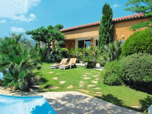 Gareoult Villa Sleeps 10 Pool WiFi : Hebergement proche de Mazaugues