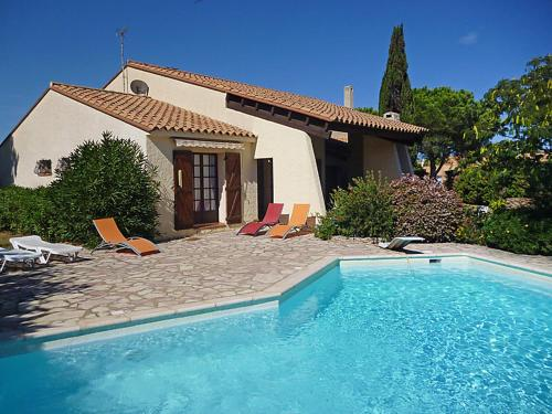 Saint-Cyprien-Plage Villa Sleeps 7 Pool Air Con : Hebergement proche d'Alénya
