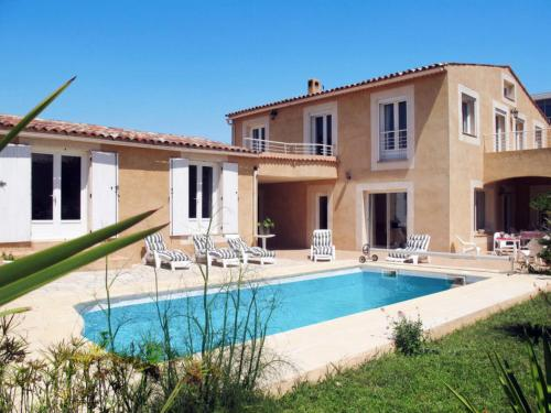 Bandol AOC Villa Sleeps 10 Pool Air Con WiFi : Hebergement proche de Bandol