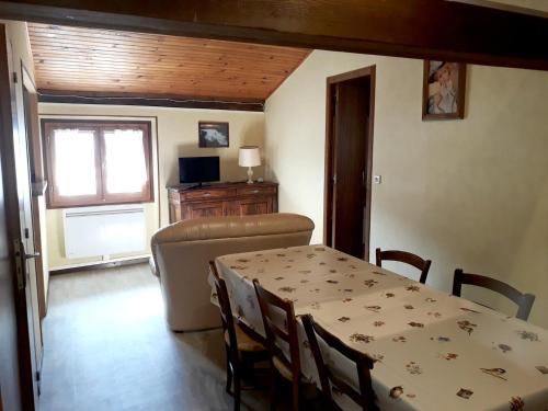 Holiday home Rue du Casteillas : Appartement proche de Camurac