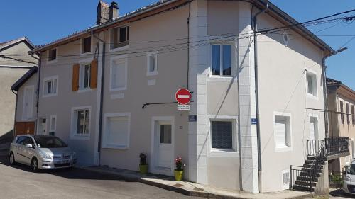 Le Central : Appartement proche de Corcelles