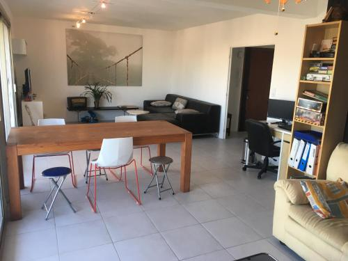 Grand appartement 100m2 + 2 balcons Antibes