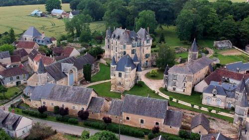 Photo Chateau Celle Guenand