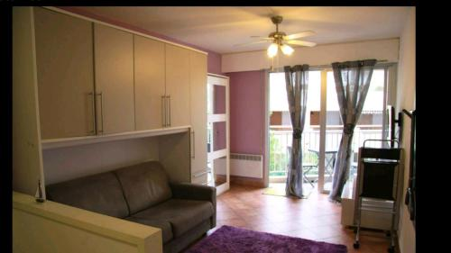 Appartement Studio Porte de France