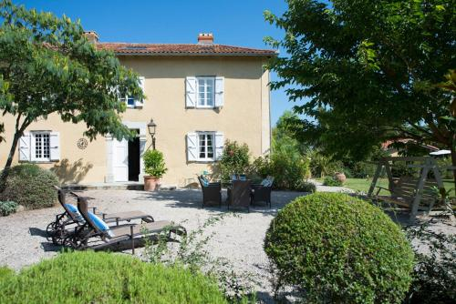 Vidou Villa Sleeps 8 Pool WiFi : Hebergement proche d'Orleix