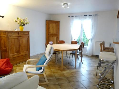 Holiday home 4 Rue du Chant de l'Eure : Hebergement proche de Merey