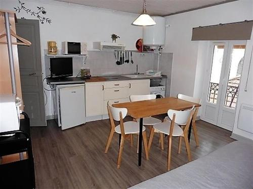 Appartement Apartment Residence les pins, 9 ave capus