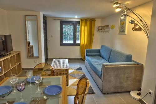 T2 Cosy St Didier : Appartement proche de Sathonay-Camp