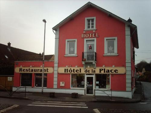 Pension Hotel Restaurant de la Place : Hotel proche de Granges-le-Bourg
