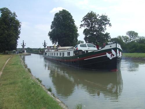 Bateau Adriana : Hebergement proche d'Ully-Saint-Georges