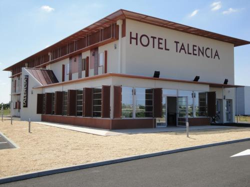 Hotel Talencia : Hotel proche d'Airvault