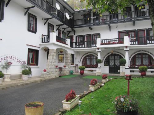 Le Chalet Basque : Appartement proche de Caharet