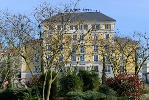 Plessis Parc Hotel