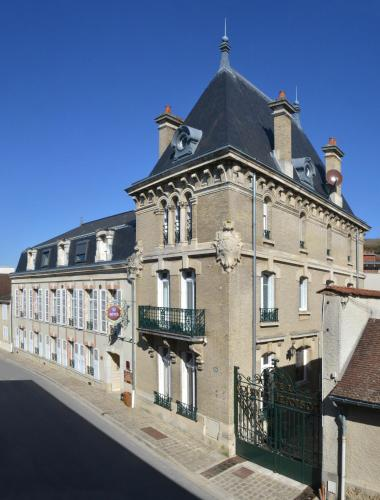 Hotel Castel Jeanson : Hotel proche d'Athis