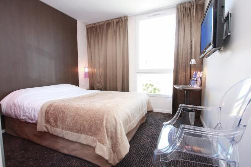 Kyriad Charleville Mezieres : Hotel proche de Neufmanil