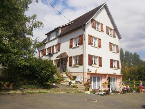 Lenard Charles Bed & Breakfast : Chambres d'hotes/B&B proche de Magny-le-Désert