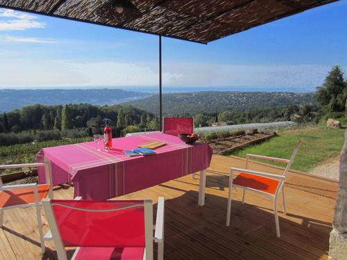Holiday Home Le Balcon d'Azur 06 : Hebergement proche de Colomars