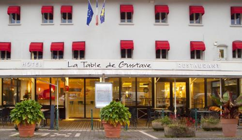 La Table de Gustave : Hotel proche d'Eysson
