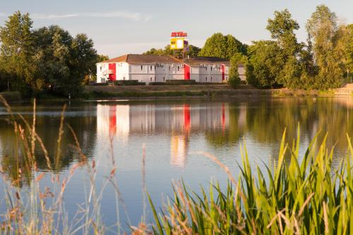 Hotel The Originals Bordeaux Lac (ex P'tit-Dej Hotel) : Hotel proche d'Eysines