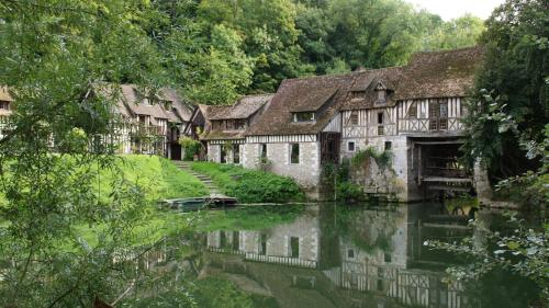 Le Moulin d'Andé : Chambres d'hotes/B&B proche d'Ailly