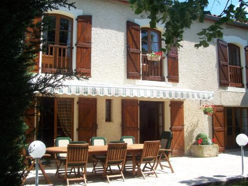 Domaine St George : Chambres d'hotes/B&B proche de Courtauly
