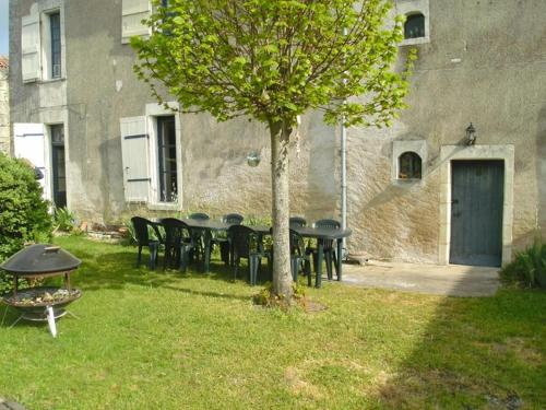 5 Bedroom House Vendee : Hebergement proche de Mondion