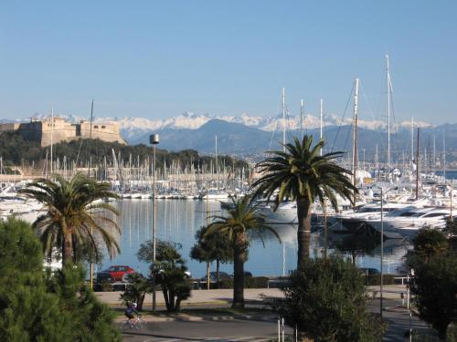 Apartment 14bis : Appartement proche d'Antibes