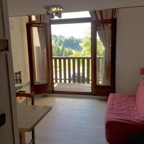 Appartement Le Praz De Lys : Appartement proche d'Onnion