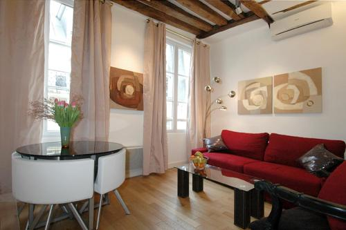 Appartement HolidaysInParis-Bourg Tibourg II