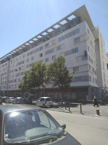Montempô Apparthôtel Marseille Centre Euromed : Hebergement proche du 14e Arrondissement de Marseille