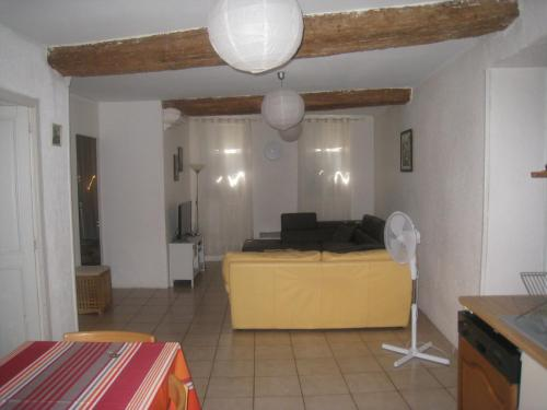 Apartment Rue Saint Francois de Paule : Appartement proche de Pia