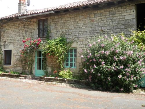 Holiday home Le Marronier : Hebergement proche de Paizay-le-Tort