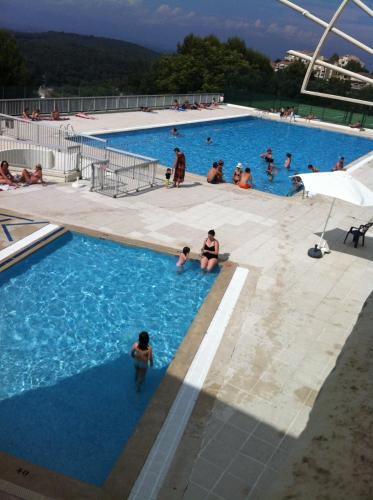 15 mins. from Cannes with swimming pool : Appartement proche de Vallauris