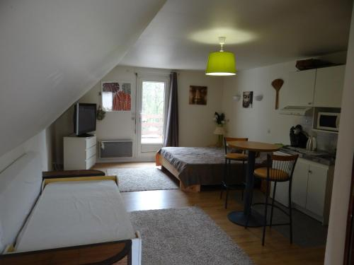 Studio Chantilly : Appartement proche de Courteuil