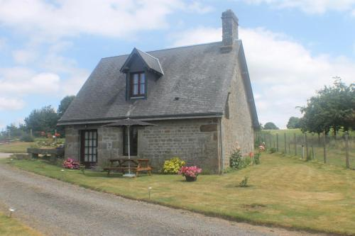 Romantic Cottage : Hebergement proche de Beauficel