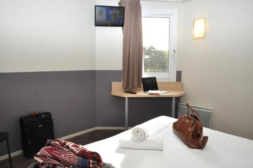 Photo B Hotel Caen Mondeville