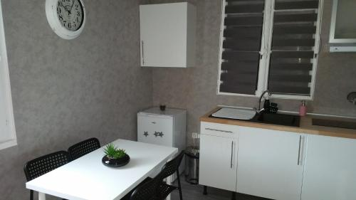Appartement Charmant Bord Du Canal : Appartement proche de Tarsul
