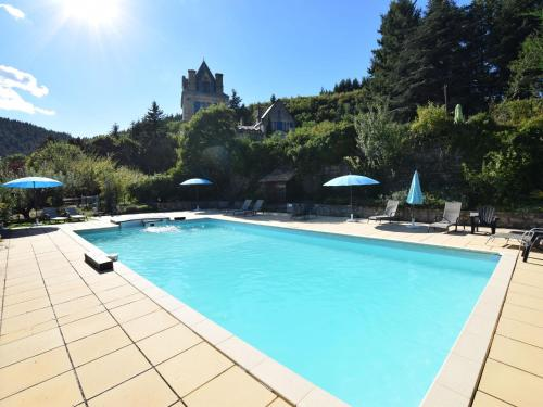 Appartement - Chateau en Ardeche Charmante : Appartement proche de Saint-Julien-Labrousse