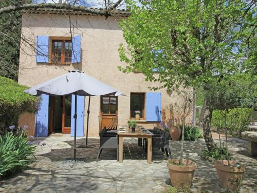 Holiday home Salernes : Hebergement proche d'Entrecasteaux