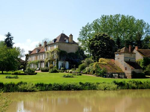 Holiday Home Marcoult : Hebergement proche de Saint-Saulge