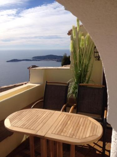 Romantic Hideaway Eze/ Monaco with spectacular sea view : Hebergement proche de Cantaron