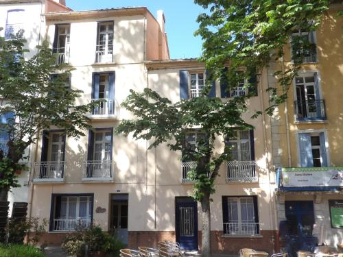 Poppys Chambres d'Hotes : Chambres d'hotes/B&B proche d'Oms