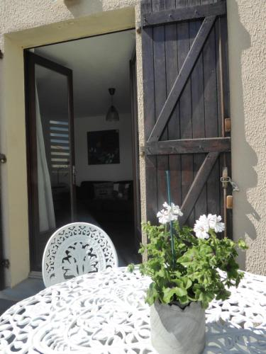 Apartment The Address : Appartement proche de Villemoustaussou