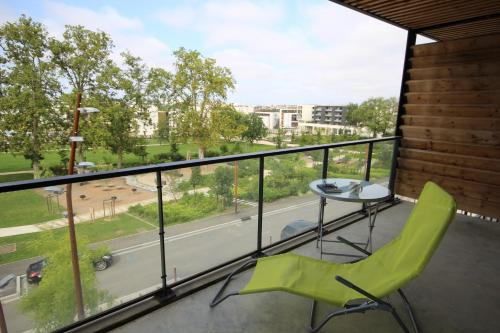 Photo Moderne T2 avec balcon et parking