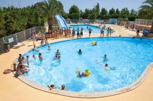 Camping Sunissim L'Europe By Locatour : Hebergement proche de Cournonterral
