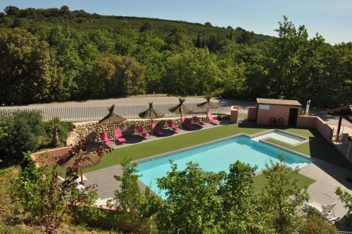 Team Holiday - Camping Mas Llinas : Hebergement proche de Sainte-Colombe-de-la-Commanderie