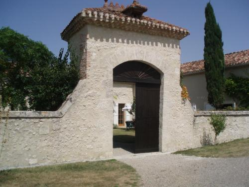 Superb Renovated House In Gascony-gers : Chambres d'hotes/B&B proche de Réaup-Lisse