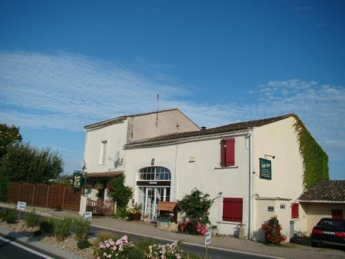 B&B Happy Days : Chambres d'hotes/B&B proche de Saint-Martin-de-Gurson