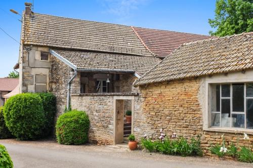 Holiday Home Le Clos de Grevilly : Hebergement proche d'Ozenay